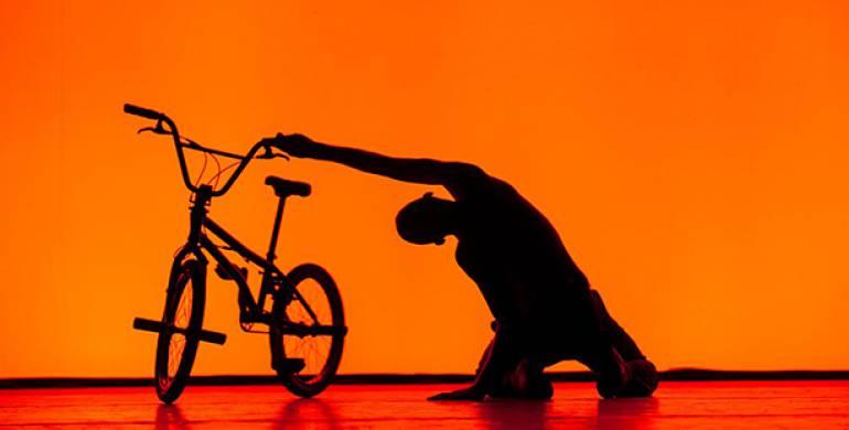 Spectacle BMX – Trois-quatre petites pièces pour vélo – Théâtre Jean Vilar